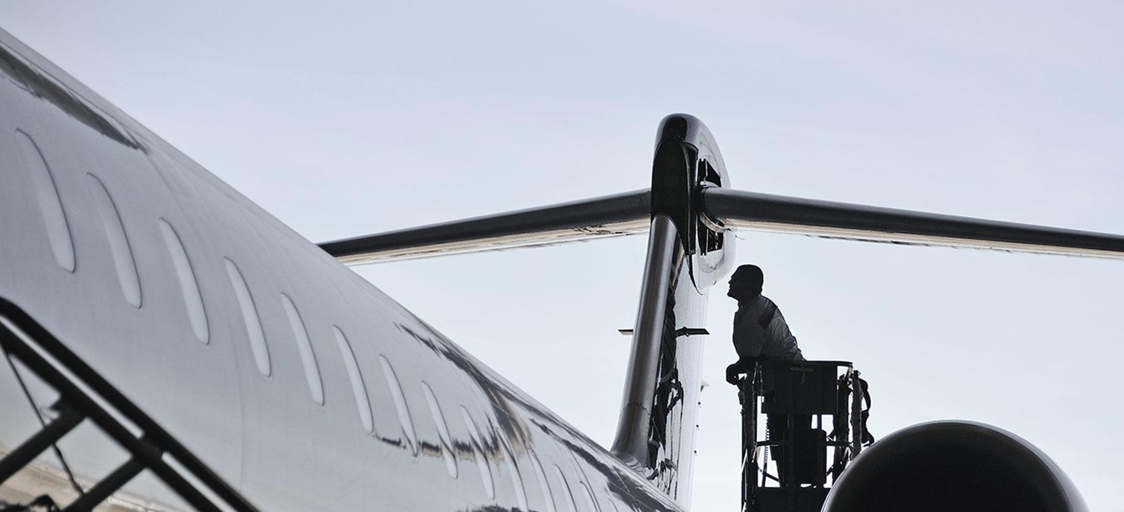 Your Customer Services - Regional Aircraft |CRJ Series MHIRJ